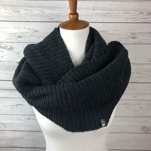 The North Face Black Chunky Knit Infinity Scarf